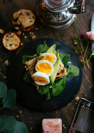 sandwich with boiled egg
